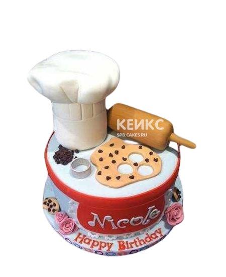 Красно-белый торт для повара с надписью