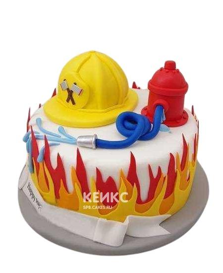 Оригинальный торт на день рождения для пожарного из мастики