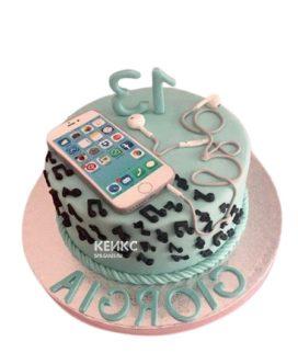 Торт с розовым айфоном и наушниками