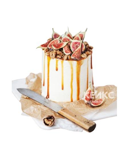 Оригинальный торт для любимой мамы политый карамелью с инжиром и орехами