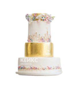 Бело-золотой торт с маленькими цветочками на корпоратив