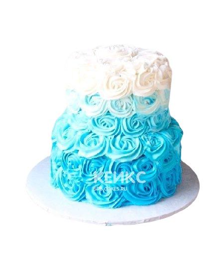 Торт омбре с белыми и голубыми кремовыми цветами