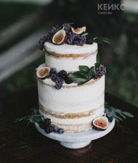 Двухъярусный голый торт с ягодами для папы