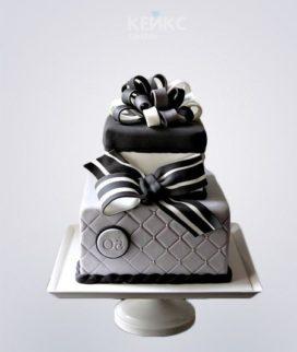 Торт парню в черно-белом цвете с бантиком