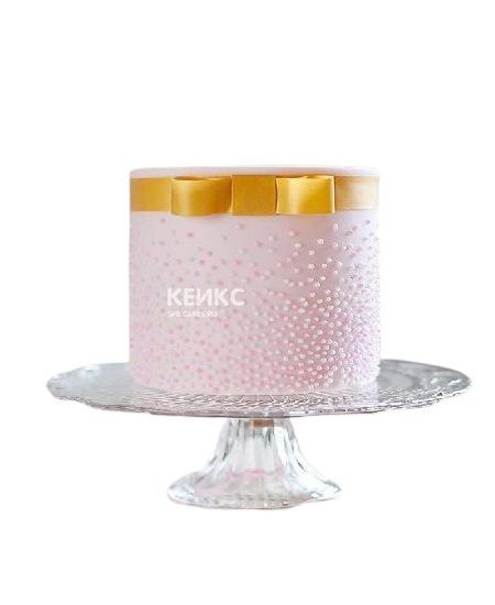 Розовый торт с бусинами и желтым бантом для подруги