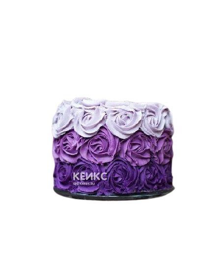 Фиолетовый торт с кремовыми розами для сестры