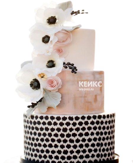 Трехъярусный торт с цветами на юбилей девушке 25 лет