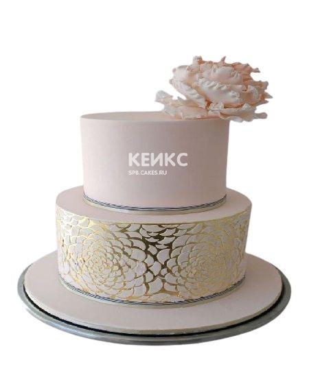Двухъярусный торт с золотым узором для женщины на юбилей 30 лет