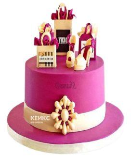 Розовый торт с сумками на юбилей девушке 30 лет