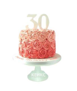 Розовый торт с кремовыми цветами для женщины на юбилей 30 лет