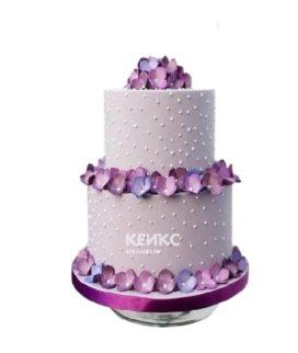 Лиловый торт Женщине на юбилей 40 лет с маленькими цветами