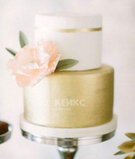 Бело-золотой торт с цветком на юбилей женщине 55 лет