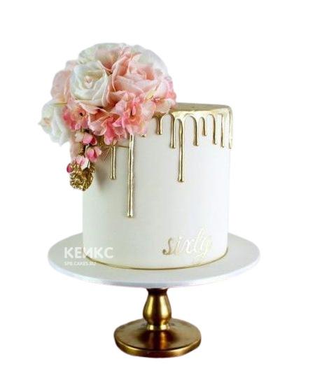 Белый торт Женщине на юбилей 55 лет с золотой глазурью и цветами