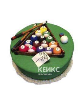 Зеленый торт бильярд с киями и шарами