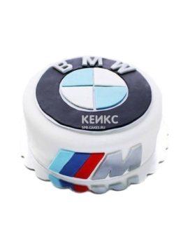 Белый торт с эмблемой БМВ