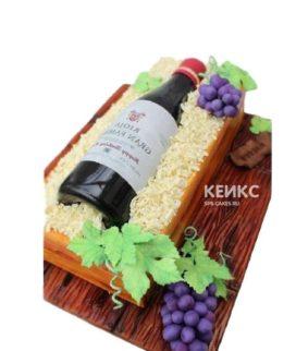 Торт бутылка вина с виноградом