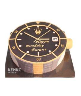 Торт в виде часов с короной и надписью