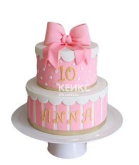 Розово-белый торт с бантиком на 10 лет девочке