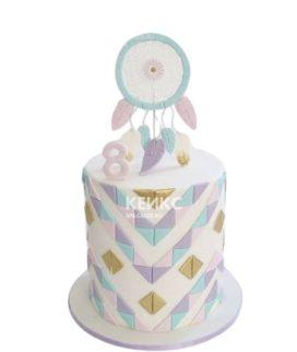 Торт с ловцом снов и цветными узорами на 6 лет девочке