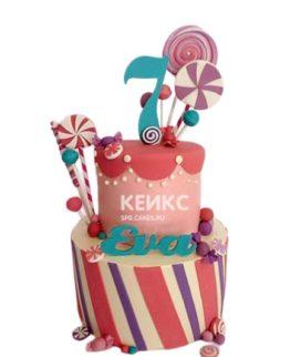 Разноцветный торт со сладостями на 6 лет девочке
