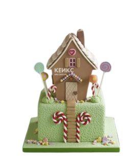 Торт в виде дома со сладостями