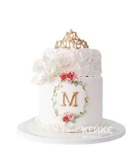 Торт с женской короной и цветами