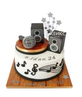 Торт микрофон с колонками и звездами
