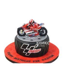 Торт красный мотоцикл на шине