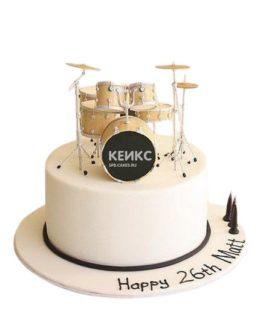 Бежевый торт музыканту с барабанной установкой