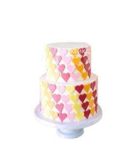 Торт в разноцветных сердечках на 14 февраля