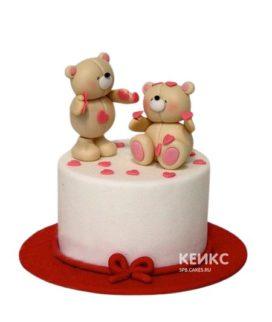 Торт на 14 февраля с медведями и сердечками