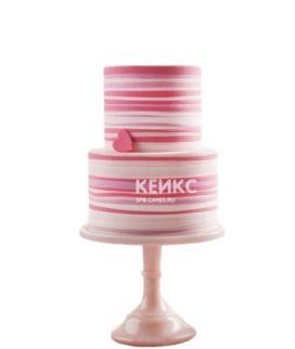 Бело-розовый торт на 14 февраля с сердечком