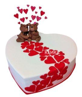 Торт на 14 февраля в форме сердца с медвежатами и красными сердцами