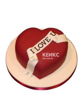 Торт в виде сердца с надписью на 14 февраля