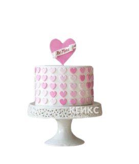 Торт с розовыми сердечками на 14 февраля