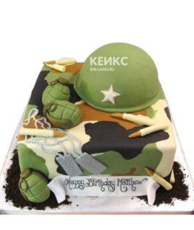Квадратный торт на 23 февраля с каской и патронами