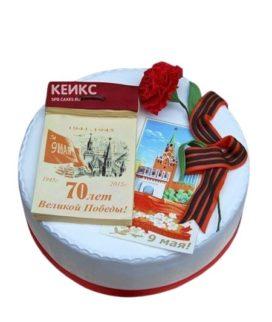Торт на День Победы с гвоздикой и открытками