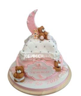 Розовый торт на день рождение девочке с подушкой и мишками