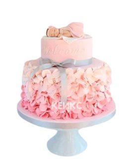 Розовый торт с цветами на день рождение девочке