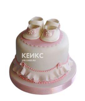 Торт на рождение девочки с сандаликами