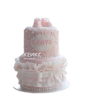 Торт на выписку нежно-розового цвета с надписью