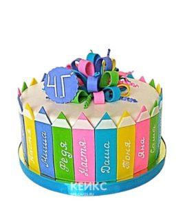 Разноцветный торт с именами и карандашами на выпускной 4 класс