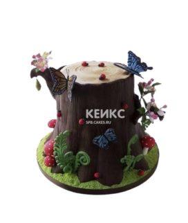 Торт в виде пня с бабочками