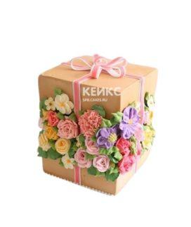 Торт Коробка Подарок из мастики, украшенный цветами