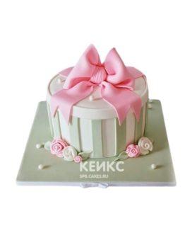 Торт в виде подарка с бантиком