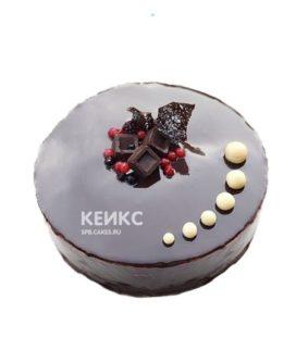 Шоколадный зеркальный торт с ягодами