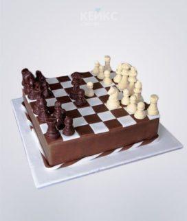 Торт шахматы коричневая доска и фигурки