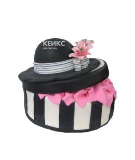 Торт черная женская шляпа с цветами