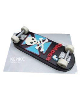 Торт в виде скейтборда с черепом
