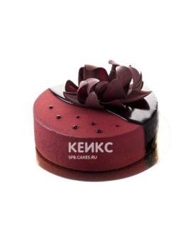 Красный велюровый торт с цветком
